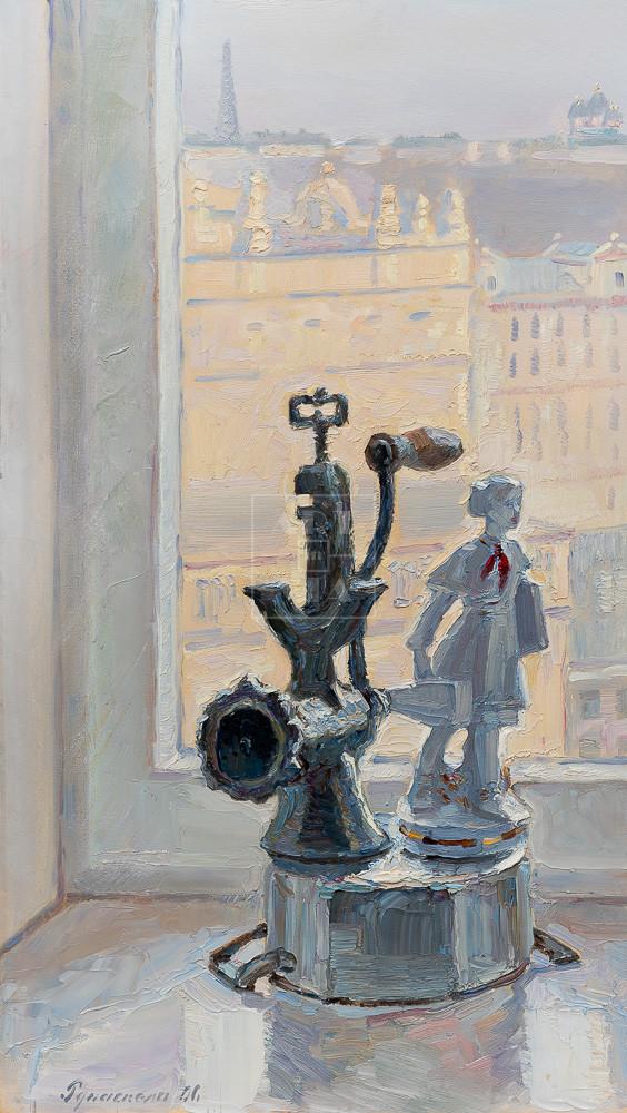 Картина. № 5. Натюрморт со статуэткой и мясорубкой