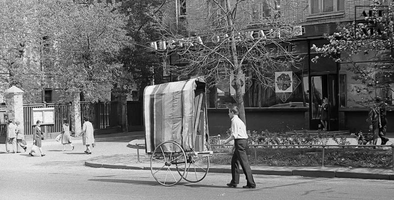 Выставка на Гоголевском бульваре. 25.08.1974 г.