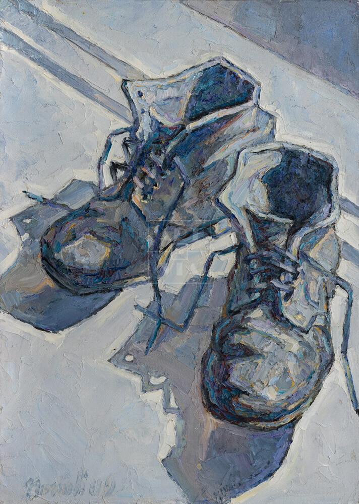 Картина. Ботинки на белом подоконнике