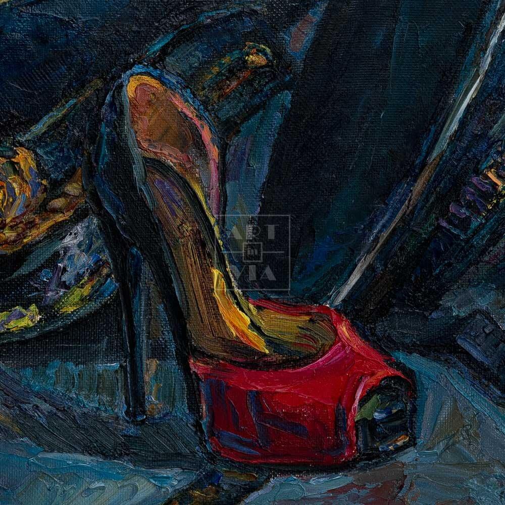 Фрагмент картины 3/3. Натюрморт с фуражками и красной туфелькой