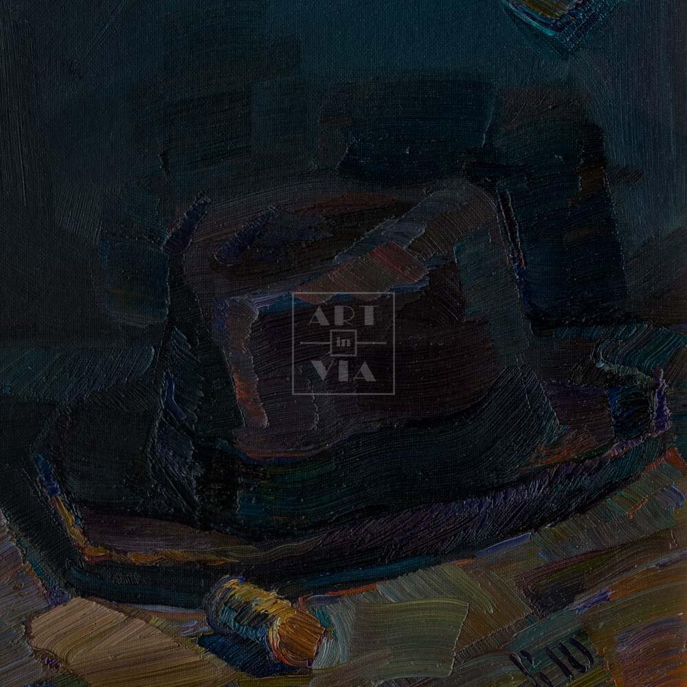 Фрагмент картины 3/3. Натюрморт с красным телефоном и шляпой