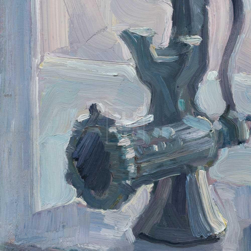 Фрагмент картины 3/3. Натюрморт со статуэткой на табурете